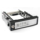 Сменный бокс для HDD Thermaltake Max4 N0023SN SATA II пластик/сталь серебристый hotswap 3.5
